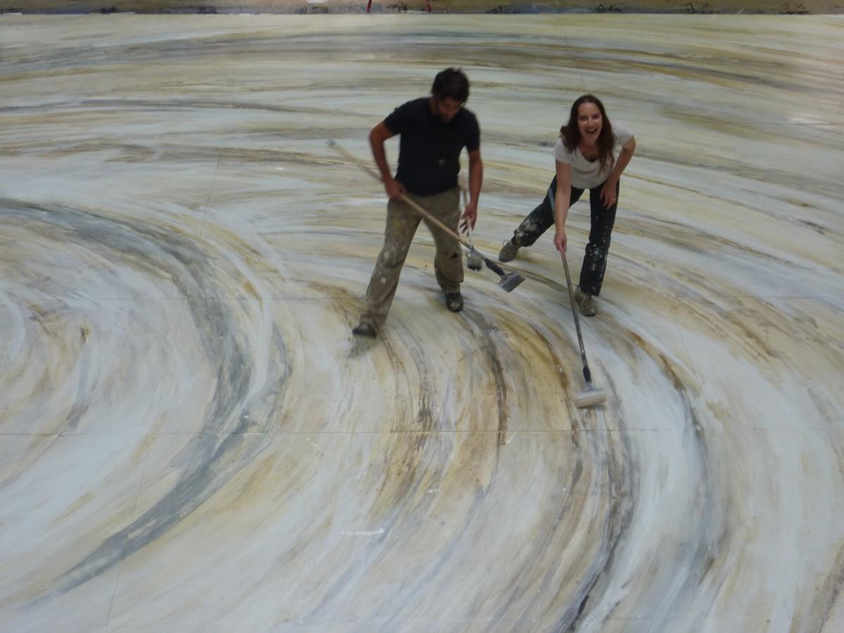 Peinture d'un grand sol praticable